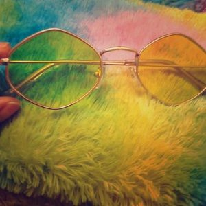Accessories - Yellow lense glasses and brown tinted lense